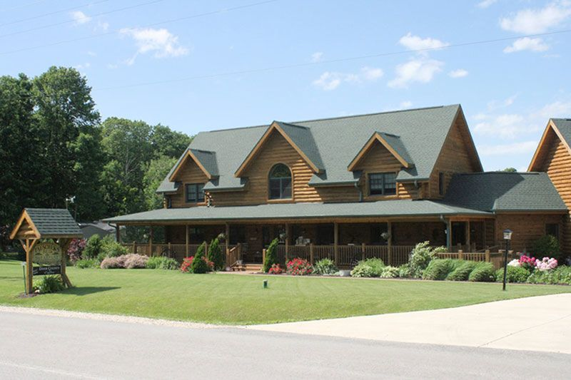 Tauschek's Bed and Breakfast Log Home